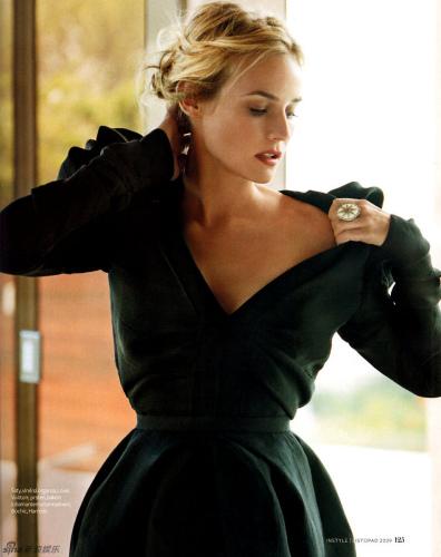 优雅外套用一根腰带巧分层次感高清图片